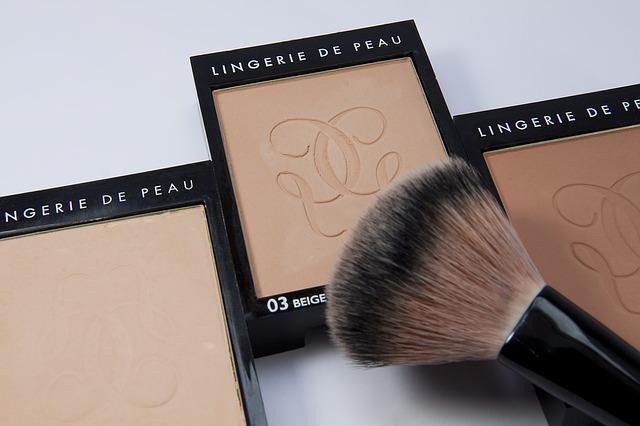 make-up-1276361_640