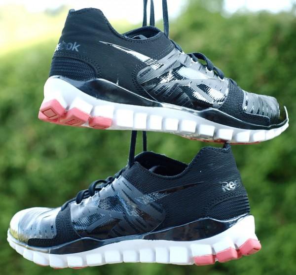 sneakers-332127_640