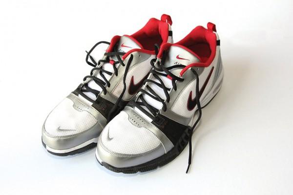 sneakers-71623_640